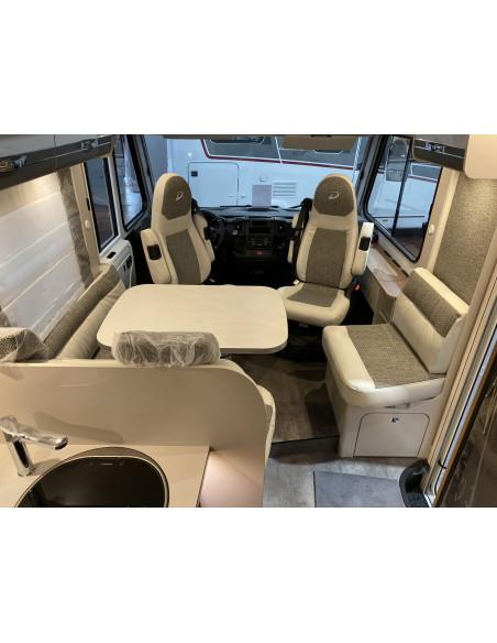 interior autocaravana Dethleffs Trend I7057